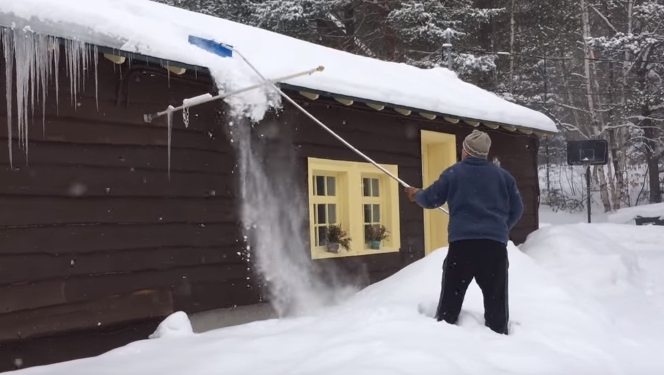 What Is The Best Roof Rake For Snow Removal