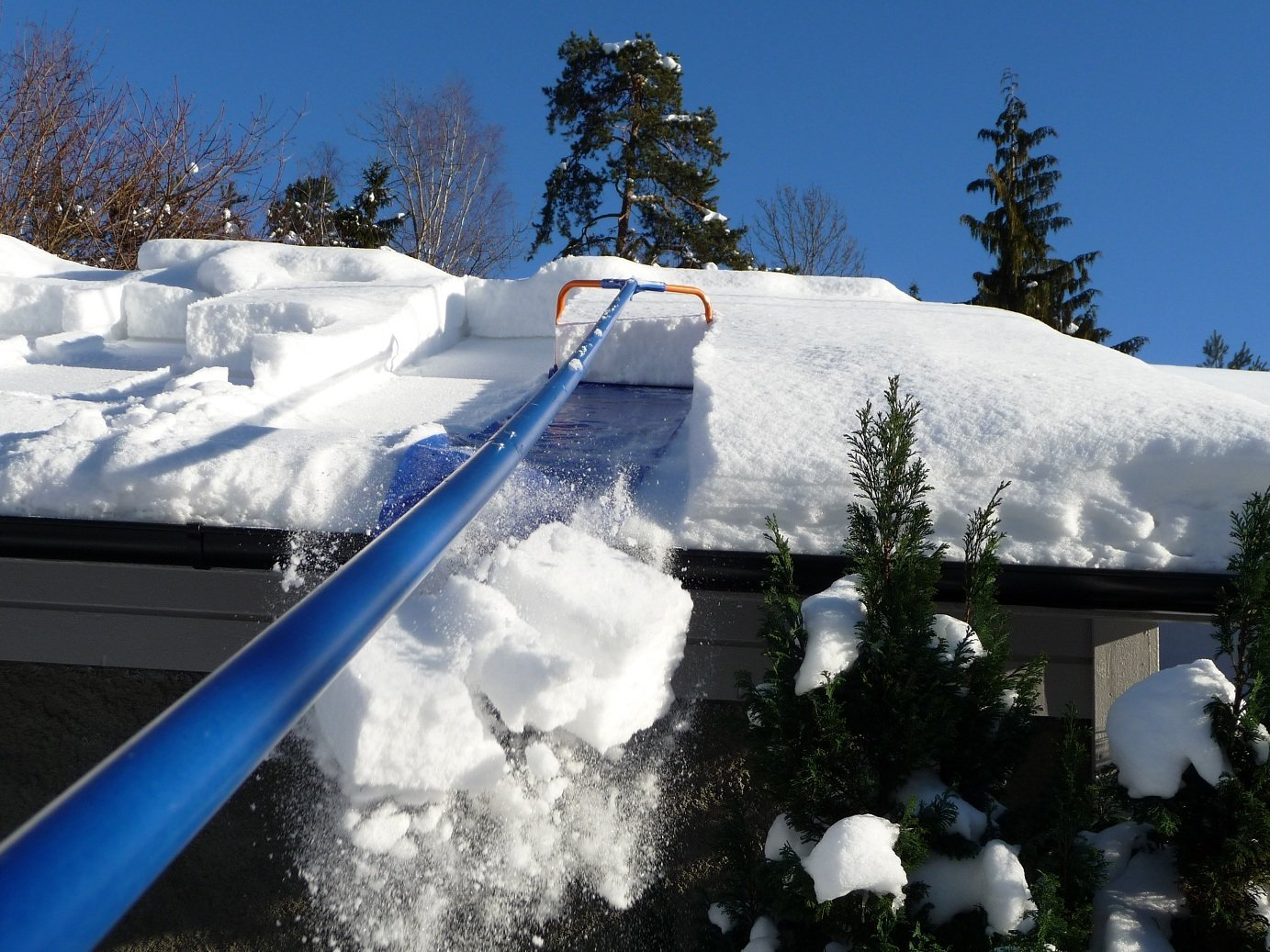 Avalanche - Original Roof Snow Removal System
